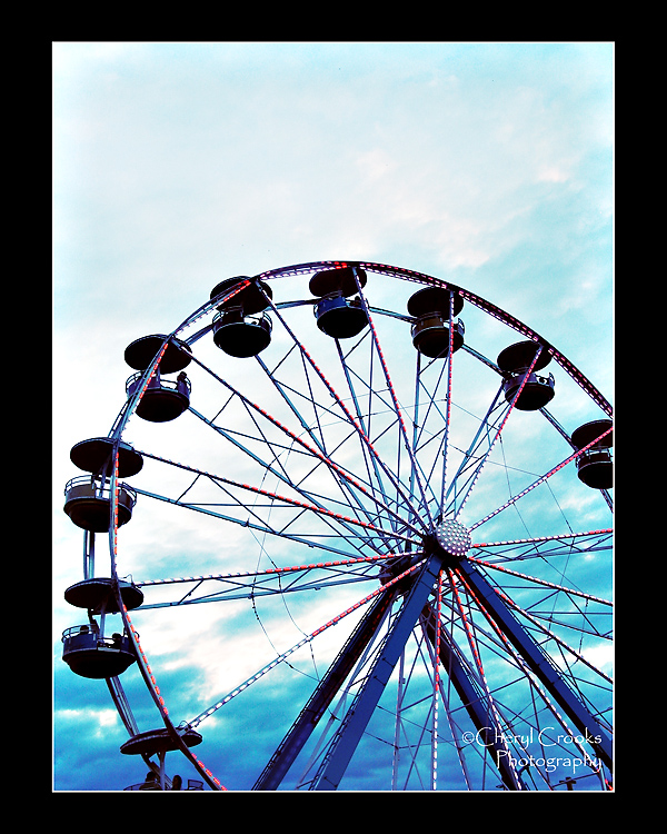The ferris wheel is one of my favorite carnival attractions to both photograph and ride.