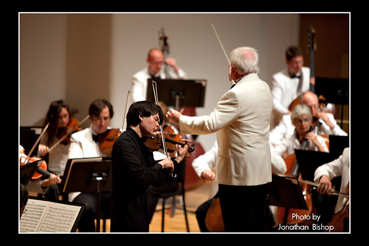 Violinist Stefan Jakiw first appeared with the Bellingham Festival of Music Orchestra in 2010.