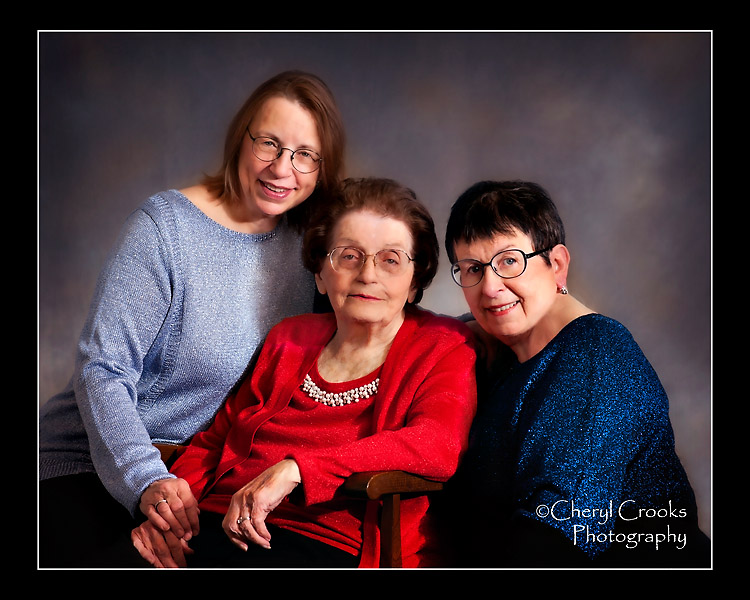 Mary came to my studio with her two daughters for a family portrait together.
