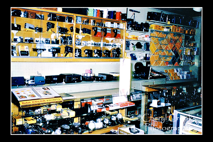 CAmera Shop stock 750