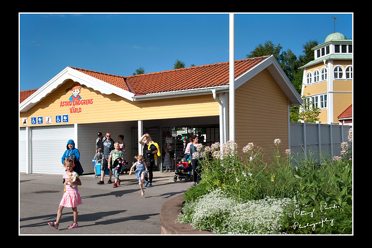 Families leave Astrid Lindgrens World after a day at the popular theme park.